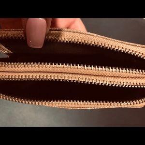Juicy Couture Bags - Juice couture makeup bag/wristlet